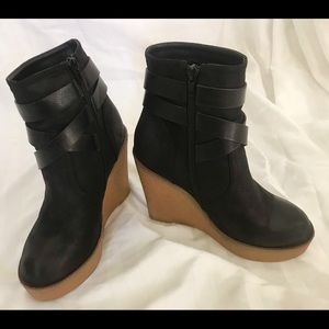 Shoes - Platform ankle boots